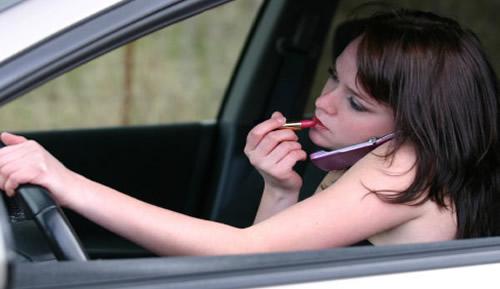 Trafikte Cep Telefonu Kullanımı Öldürüyor