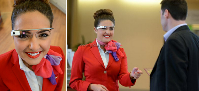 Hostesler de Google Glass Giydi