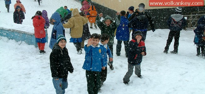 İstanbul'da 6 Ocak 2015 Okullar Tatil Edildi